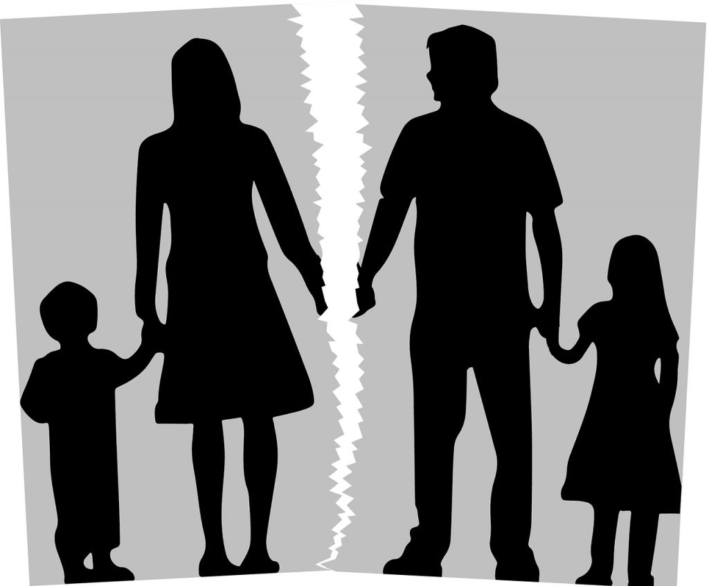 Помощь ребёнку при разводе родителей